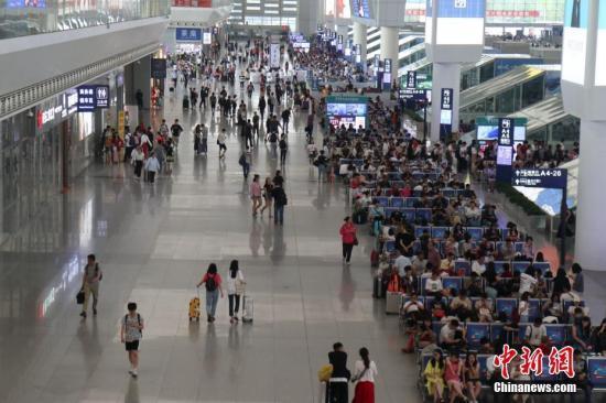 铁路迎端午客流最高峰 今日预计发送旅客1318万人次