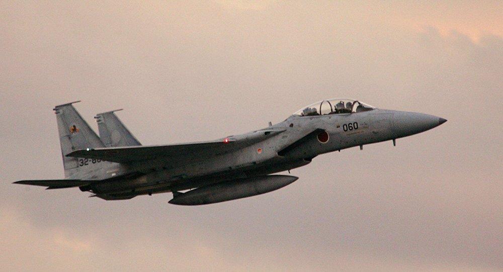 千钧一发!日本两架F-15战机差点和民用飞机相撞