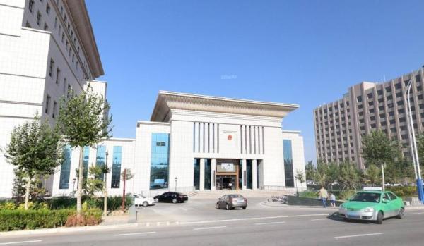 内蒙古首例组织公务员考试作弊案一审 涉上百考生