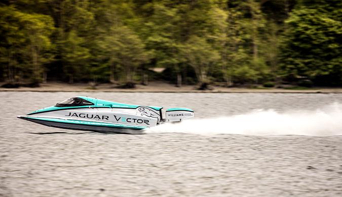 捷豹V20E打破电动快艇航速纪录:时速达142.6Km/h