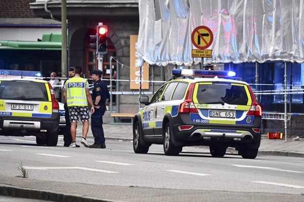 瑞典民众庆祝世界杯胜利时发生枪击 致4人受伤