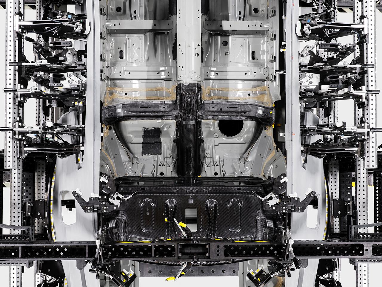 打造高性能电动车Polestar 1  碳纤维材料必不可少
