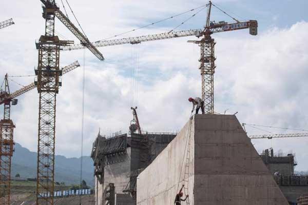 广西大藤峡水利枢纽工程正在紧张施工