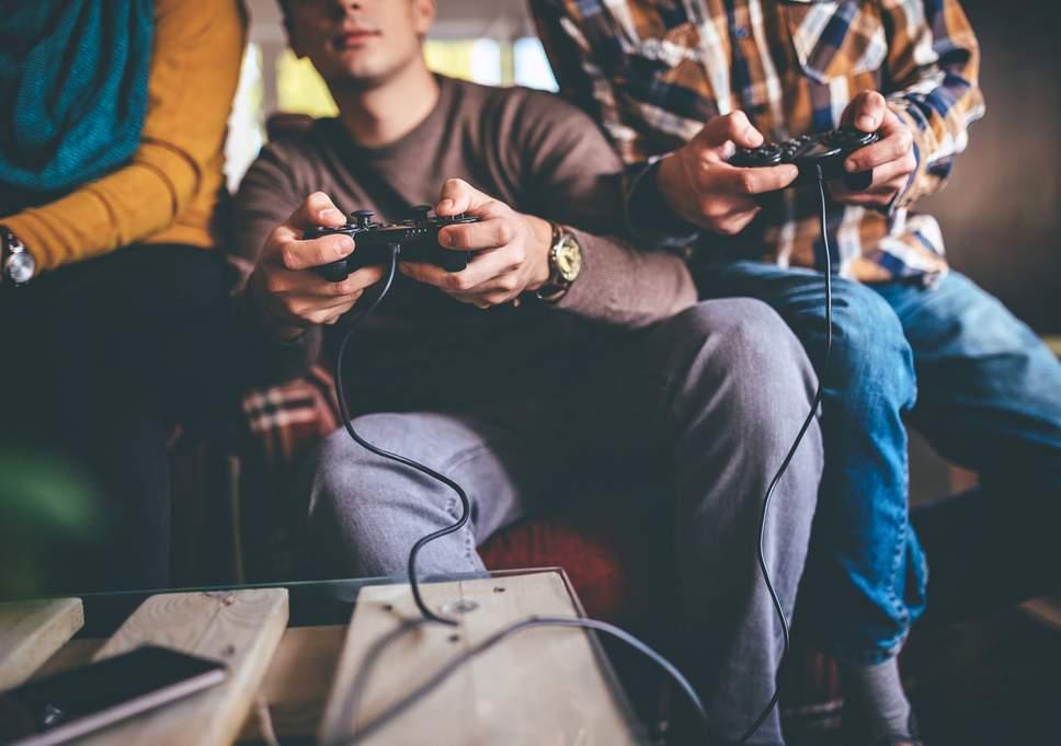 英国15岁网瘾少年愁煞家长 WHO将游戏成瘾归为精神疾病