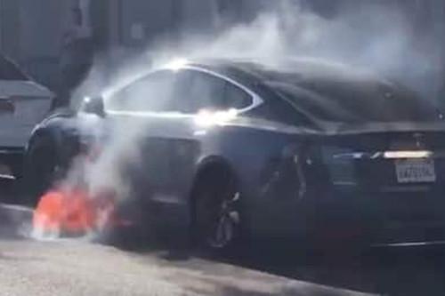 NTSB派员调查特斯拉Model S起火事故