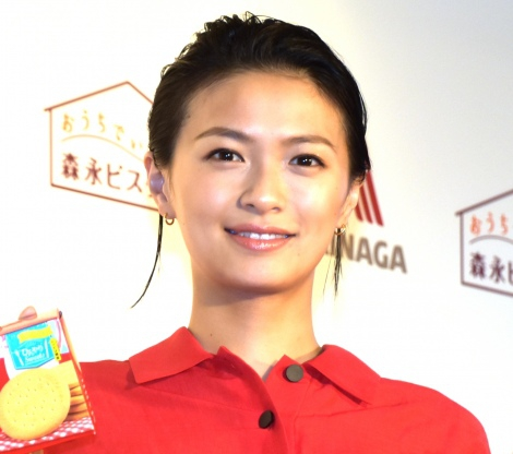 组图:演员荣仓奈奈出席广告宣传活动 现场传授独创菜谱