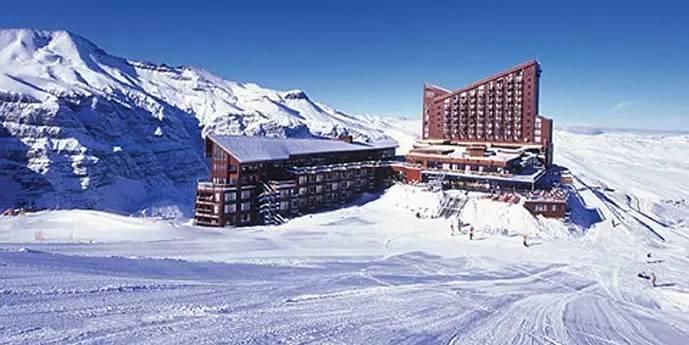 智利内瓦多滑雪场 沐浴在阳光下的滑雪胜地