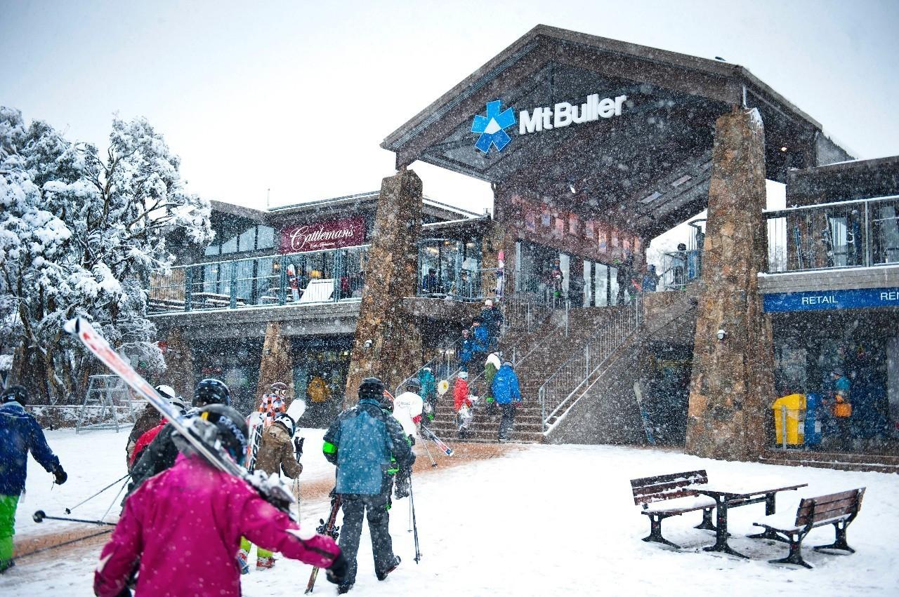 澳大利亚布勒山滑雪场 体验丰富极限运动