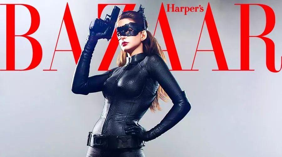 """6年了!终于等到猫女蝙蝠侠的喜讯,安妮海瑟薇会穿""""显胖""""紧身衣当婚纱吗?"""