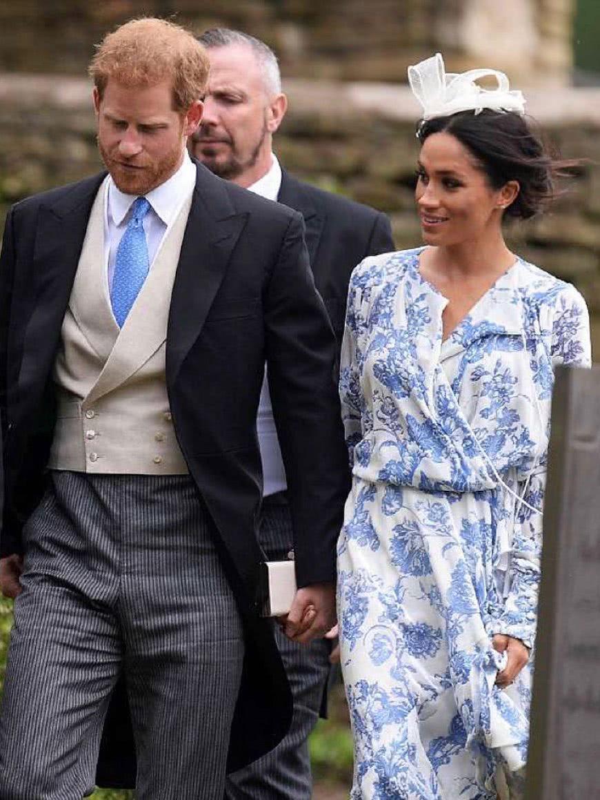 梅根参加贵族婚礼,穿3万多的茶歇裙,却被戴妃的侄女抢镜了!