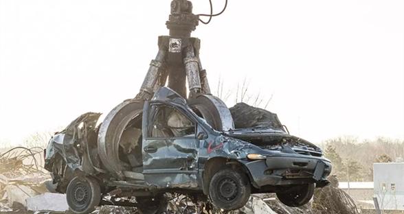 汽车的报废之旅:从金属垃圾变成崭新引擎