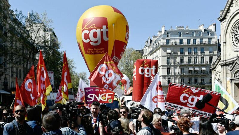 法国铁路工人七月继续罢工 乘客将获赔偿