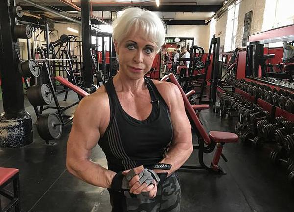 2018网上购彩最新消息:英68岁奶奶因健身变网红_立志生命不息健身不止