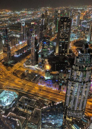 迪拜和阿布扎比谁更豪?