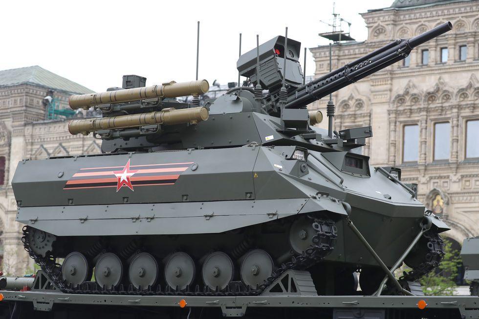俄罗斯无人坦克首次投入实战 300米距离失联19次