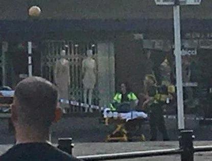 英国伦敦一地铁站突发爆炸 造成至少5人受伤(图)