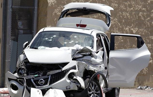 美国亚拉巴马州沃尔玛停车场突发枪击案 男抢手射杀两女子后自杀身亡