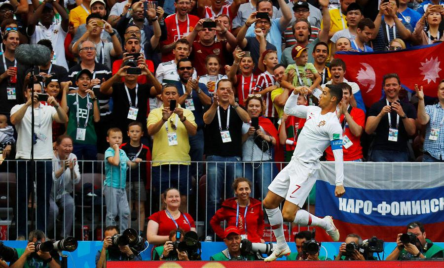 C罗4分钟闪电破门领跑射手榜!葡萄牙1-0胜摩洛哥
