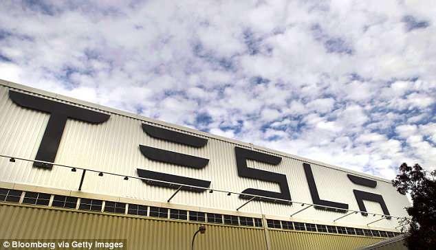"""特斯拉建""""帐篷""""生产线 推进Model 3生产"""