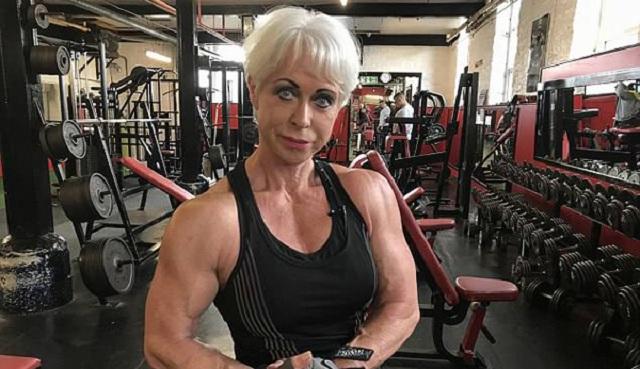 英68岁奶奶因健身变网红 立志生命不息健身不止
