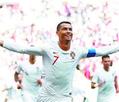 C罗一锤定音 葡萄牙胜摩洛哥