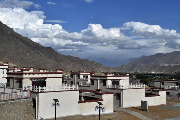 """西藏首批高海拔地区群众搬迁 离开""""生命禁区"""""""