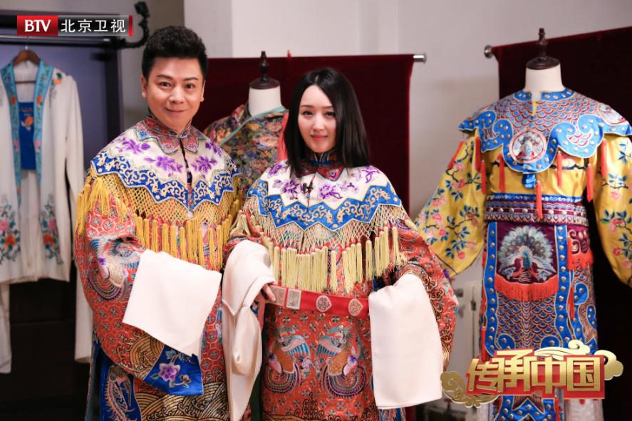 甜歌天后唱京剧 杨钰莹参加《传承中国》感动落泪