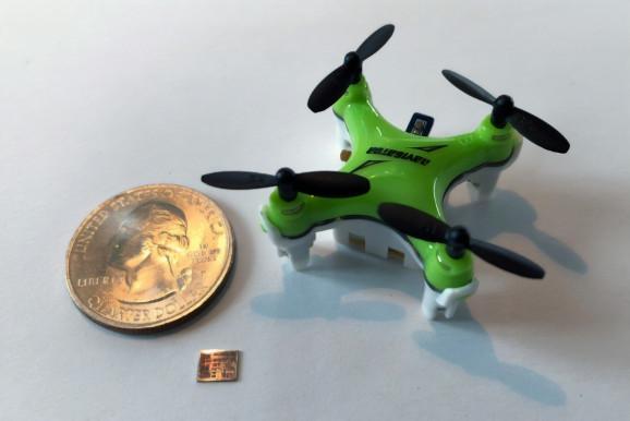 "MIT设计微型芯片 可造出""指甲盖大小""无人机"