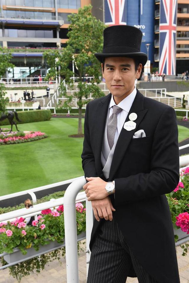 惊艳!扮英国绅士!彭于晏戴高帽出席英国皇室马术赛