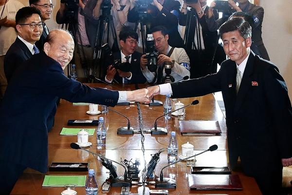 韩朝举行红十字会会谈磋商离散家属团聚事宜