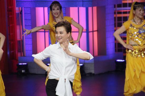 广场舞指导员化身印度公主 李玲玉重现经典扮相