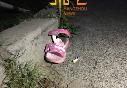 4岁儿童12楼坠亡 知情人:妈妈去培训班接大女儿