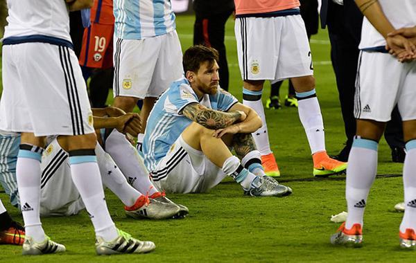梅西最大的猪队友找到了,还有比阿根廷足协更
