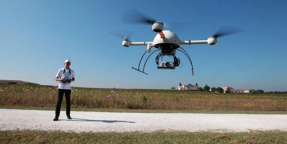 法国民航总局新规:玩无人机必须先接受培训