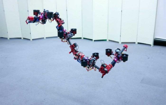 """研究人员创造""""飞龙""""机器人 飞行中也能变换形状"""