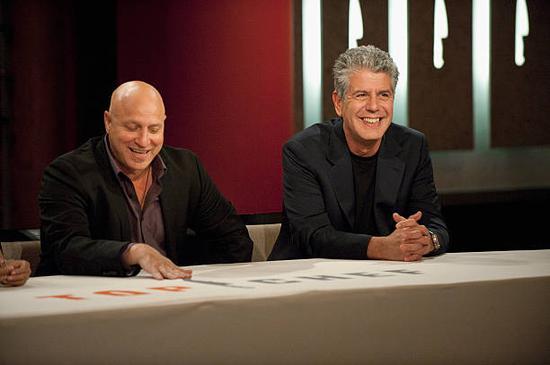 Tom Colicchio 曾与波登一起担任 Top Chef 评委