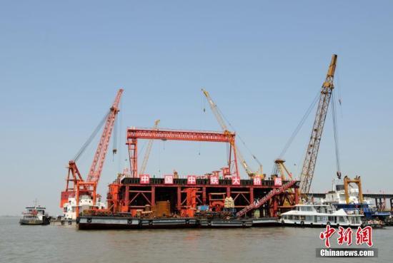 学者报告预计:今年上半年中国经济增速6.8%左右