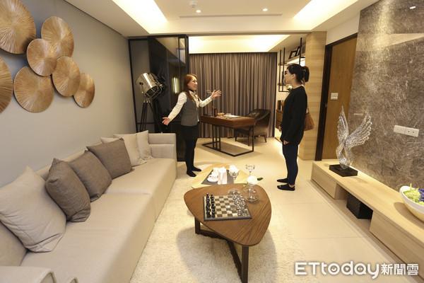 台湾三成年轻购屋族年收入不到40万新台币 买房靠爸妈