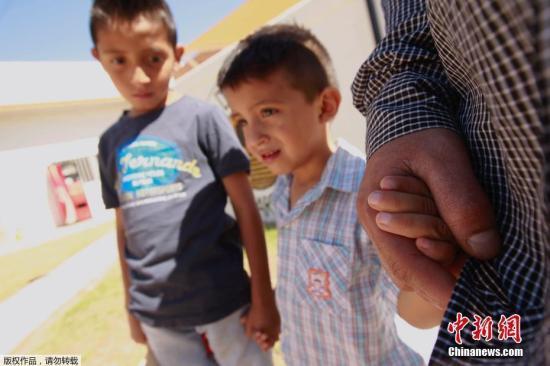 """美""""骨肉分离""""政策告一段落 非法移民如何安置?"""