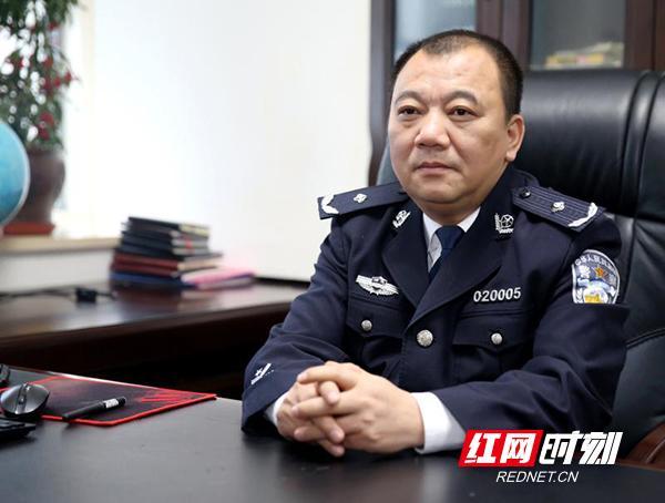 最后一刻仍在工作 衡阳市公安局常务副局长肖海波因公牺牲