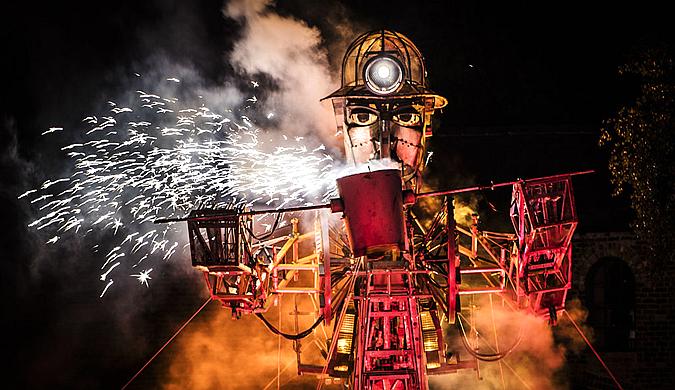 英国有史以来最大机械木偶亮相:造型炫酷
