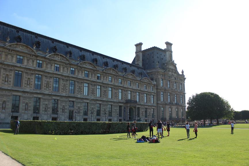 Find X亮相卢浮宫:OPPO Find系列四年后在巴黎复出的故事