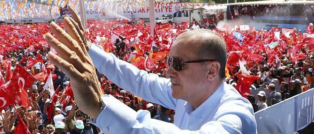 刚赢得大选,土耳其总统埃尔多安就宣布继续开展对叙军事行动