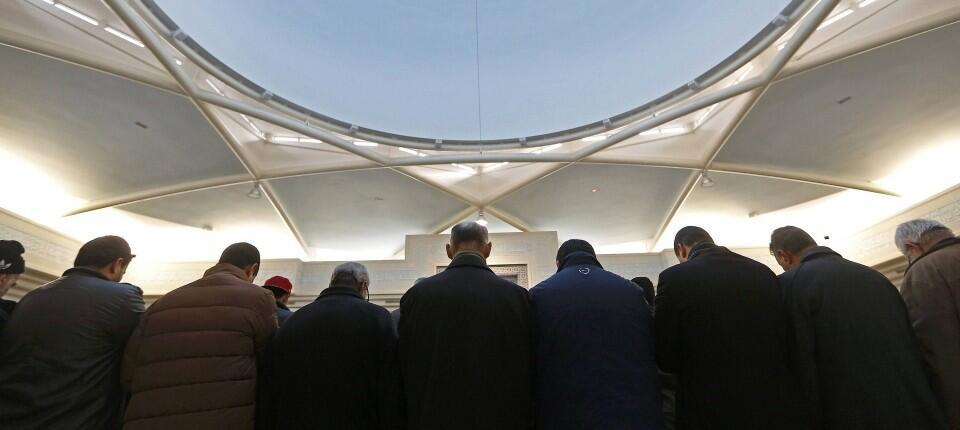 法国反恐警察逮捕10名涉嫌策划对穆斯林发动袭击的嫌疑人
