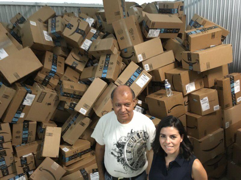 美墨边境移民收留中心收到大批捐赠物品