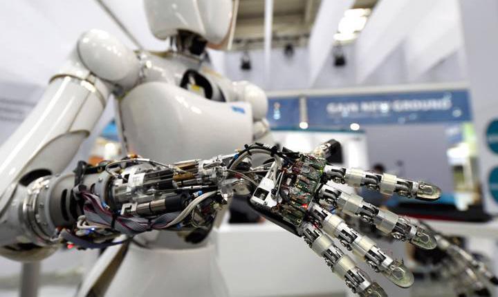 过半调查者:机器人30年内将接管大部分人类工作