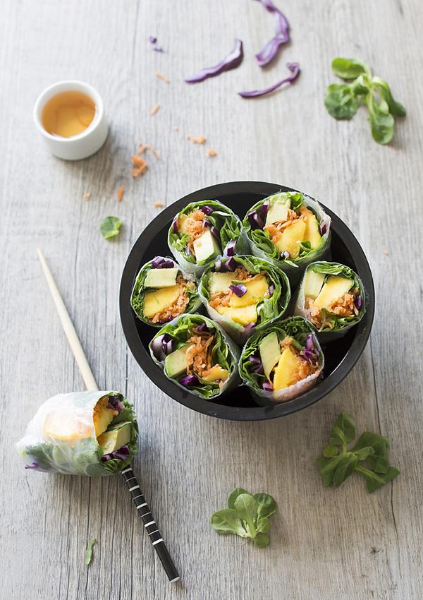 下厨房| 混合蔬菜、水果和海鲜的纸米卷,是闷热季节的解药