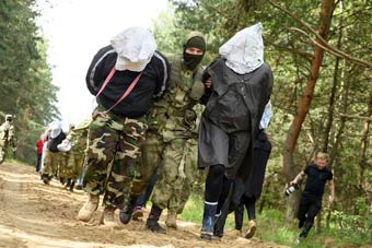 考虑真周到!俄军为战地记者组织战场生存培训