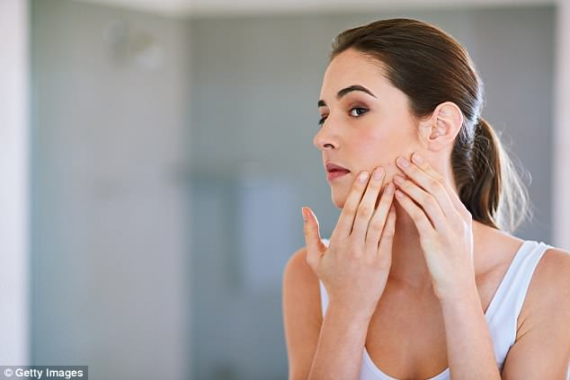 专家提示:同时运用多种祛痘产物需慎重