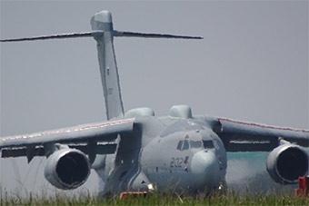 日本C-2运输机最新改型再亮相 具备电子侦察能力